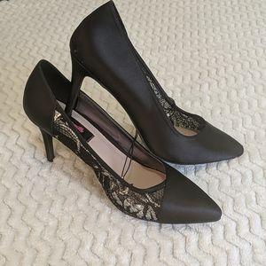 Betseyville High Heels Size 8.5